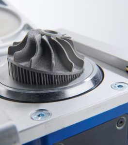 Impression 3D d'une pièce en métal avec l'imprimante 3D AL3D-250